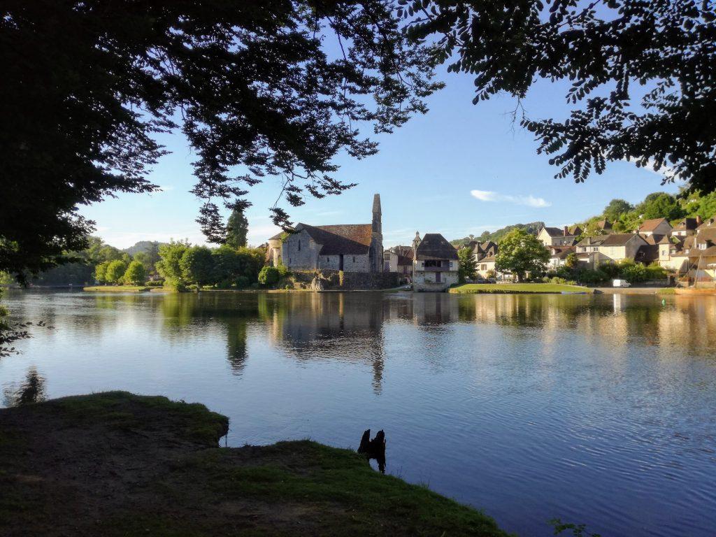 Beaulieu sur Dordogne Ferien kampieren Dordogne Stadt