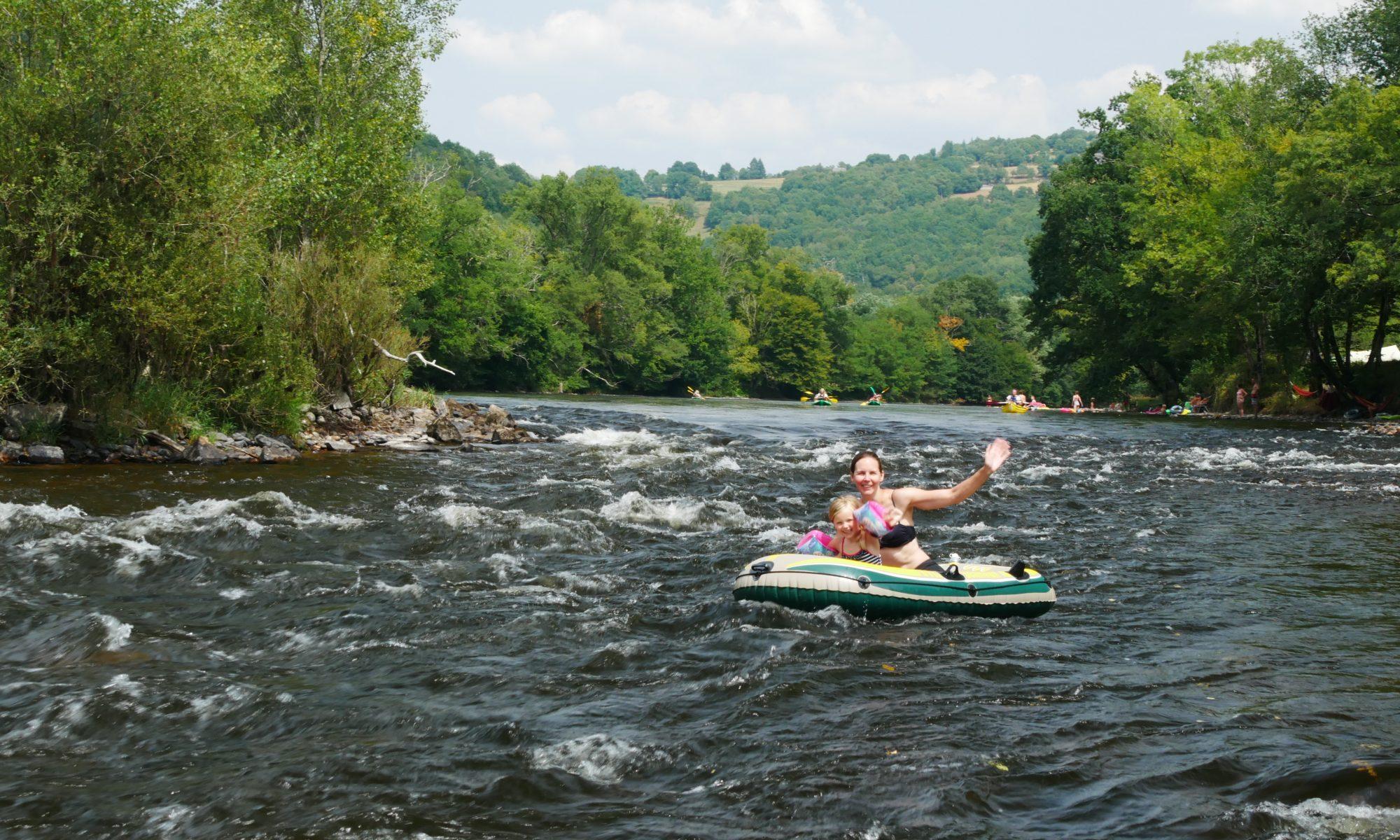 Wasser Fluss Spass Kanu Boot für die ganze Familie